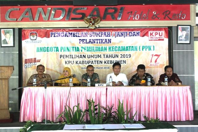 Pengambilan Sumpah/ Janji dan Pelantikan Anggota Panitia Pemilihan Kecamatan (PPK) Pemilihan Umum Tahun 2019