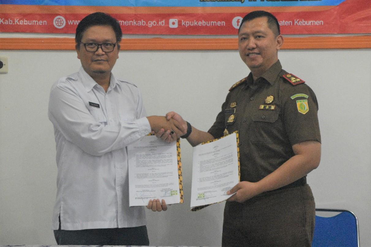KPU Kebumen tandatangani MoU dengan Kejaksaan Negeri terkait Penanganan Masalah Hukum Penyelenggaraan Pilbup 2020
